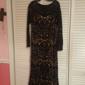 Evening long dress all lace with beige lining